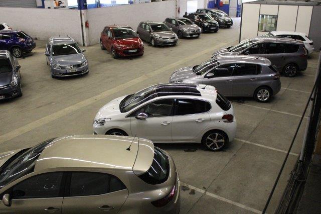 Expo des véhicules en vente aux enchères